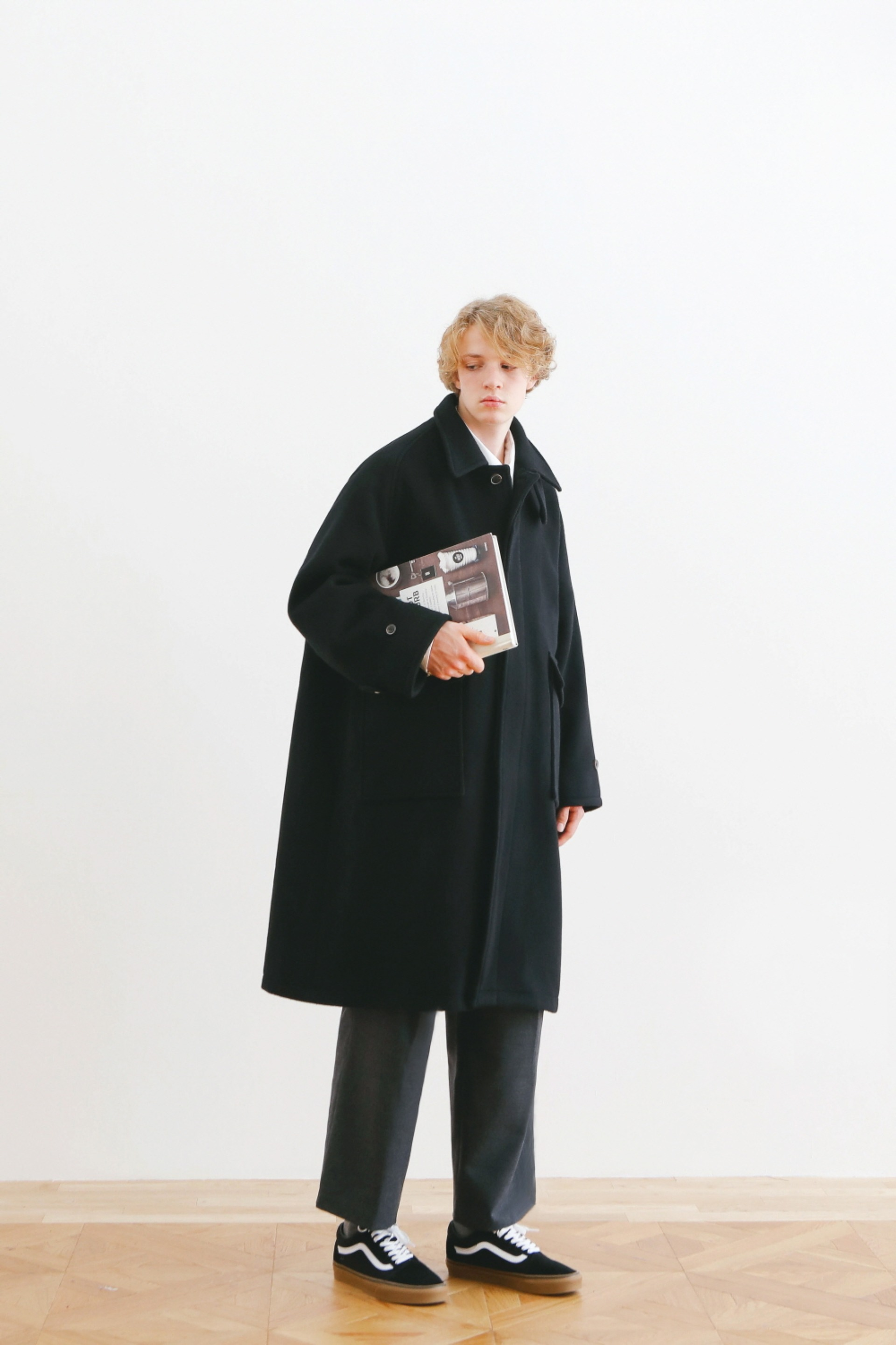RECEPTION OVERSIZED HEAVY WOOL BALMACAAN COAT (BLACK)