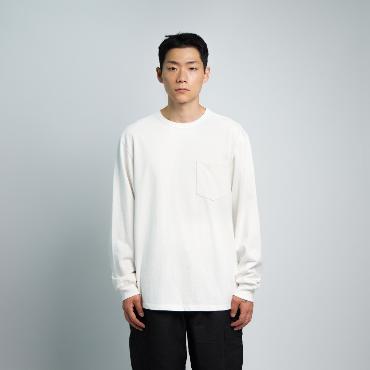 ONE POCKET L/S T-SHIRT (OFF WHITE)