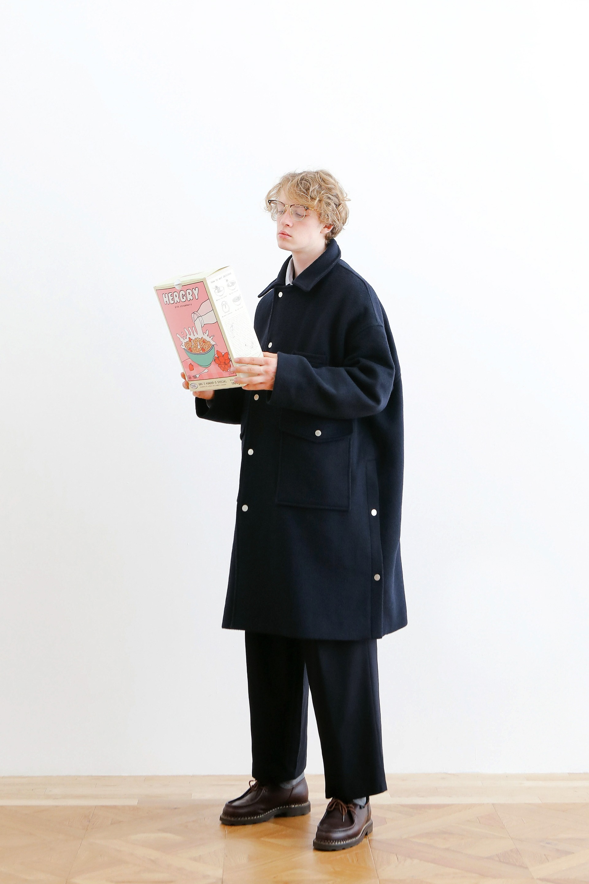 DOORMAN UNIFORM HEAVY WOOL OVERSIZED COAT (NAVY)